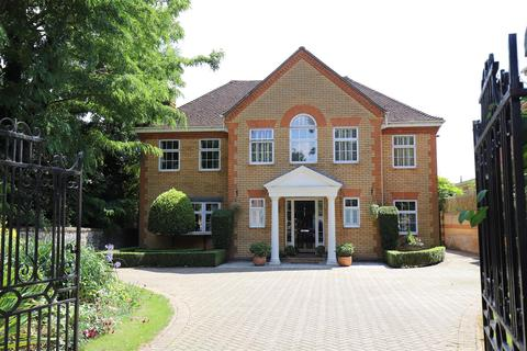 6 bedroom detached house for sale - Bower Mount Road, Maidstone