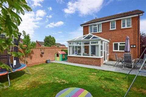 3 bedroom detached house for sale - Audley Close, Maidstone, Kent