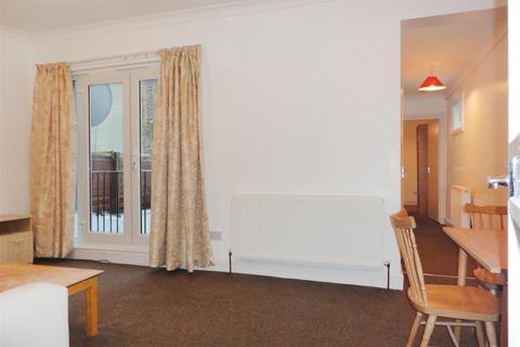 2 bedroom flat - Ferndale Road, London, London