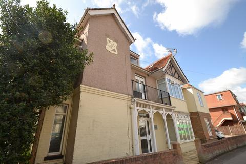 2 bedroom flat for sale - Southbourne