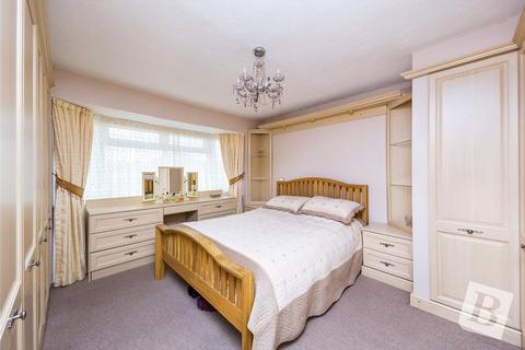3 bedroom semi-detached house for sale - Esmond Close, Rainham, RM13