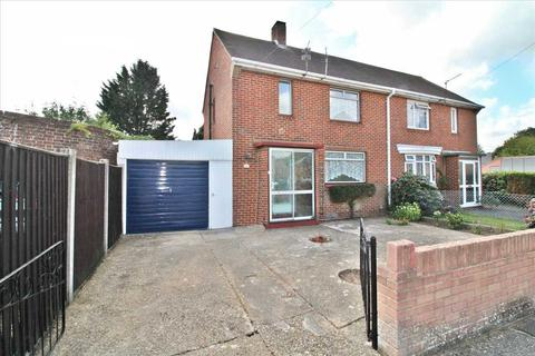 3 bedroom semi-detached house to rent - Frost Road, Bournemouth