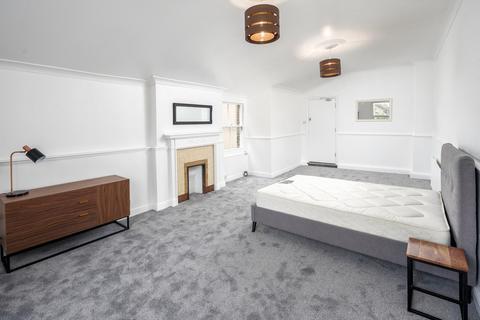 5 bedroom house share to rent - East Hill, Dartford, Kent