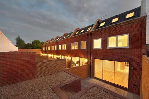 3 bedroom townhouse for sale - Nursery Avenue,  Finchley,  N3