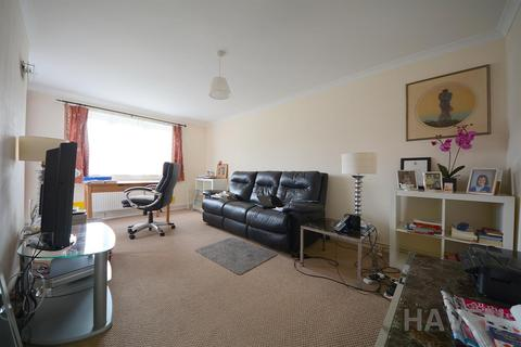 3 bedroom flat to rent - Chapel Court, East Finchley, London, N2