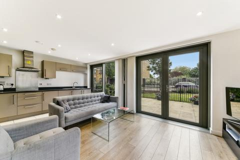 2 bedroom apartment for sale - Bootmakers Court, The Watermark, Stepney Green, E1