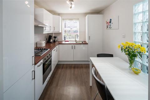 1 bedroom ground floor maisonette to rent - Tynemouth Road, London, N15