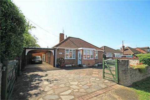 3 bedroom detached bungalow for sale - Weston Road, Aston Clinton, Buckinghamshire