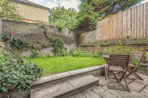2 bedroom flat for sale - Surrey Square Walworth SE17