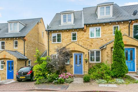 3 bedroom semi-detached house for sale - Underwood Rise, Tunbridge Wells