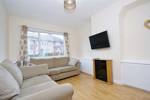 3 bedroom end of terrace house to rent - Mellitus Street, East Acton