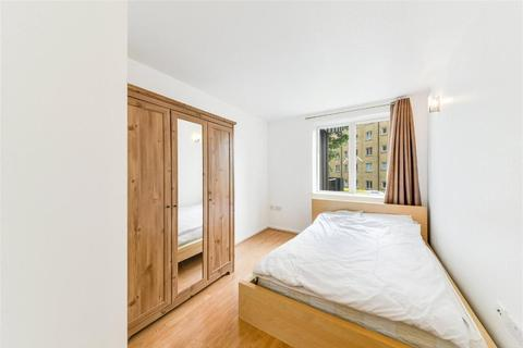 2 bedroom flat for sale - Naxos Building, Hutching Street, Canary Wharf, South Quay, London, E14 8JR