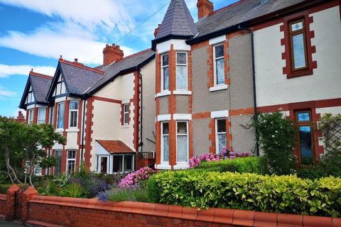 3 bedroom semi-detached house for sale - Wynnstay Road, Old Colwyn, Colwyn Bay, Conwy, LL29 9DS