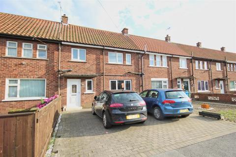 2 bedroom terraced house for sale - Queens Road, Beverley