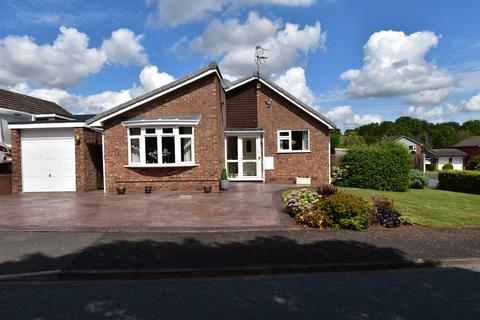 3 bedroom bungalow for sale - Berrill Close, Droitwich, WR9