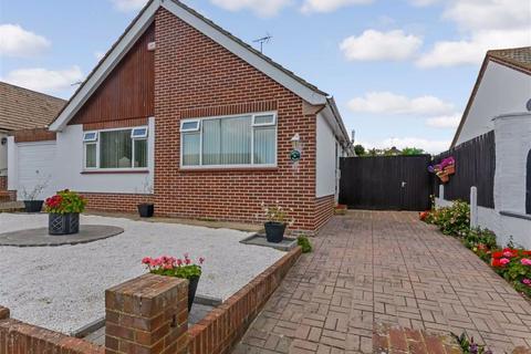 2 bedroom detached bungalow for sale - Queens Avenue, Broadstairs, Kent