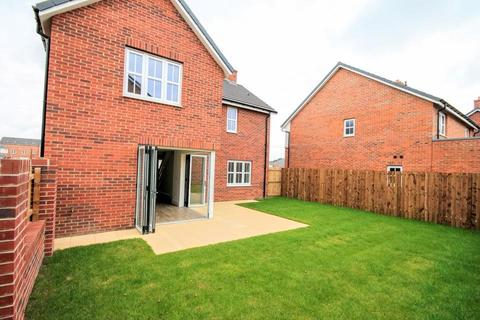 4 bedroom detached house for sale - Linden Crescent, Yarm
