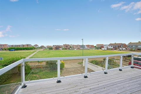 3 bedroom detached house for sale - Falcon Close, Shoreham-By-Sea