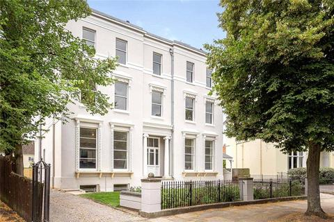 2 bedroom flat for sale - Terhill House, Pittville Circus, Cheltenham, Gloucestershire, GL52