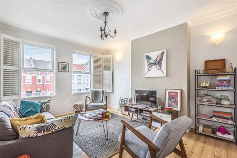 2 bedroom flat for sale - Sirdar Road, London, N22