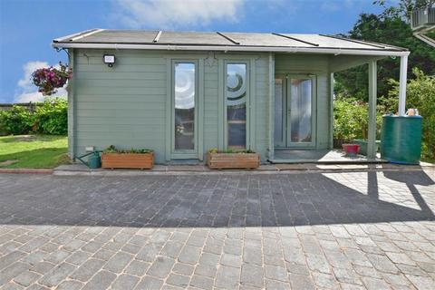 3 bedroom detached bungalow for sale - Hunton Road, Chainhurst, Marden, Kent