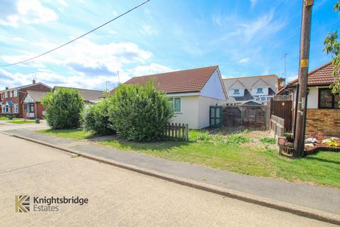 1 bedroom bungalow for sale - Bommel Avenue, Canvey Island, SS8