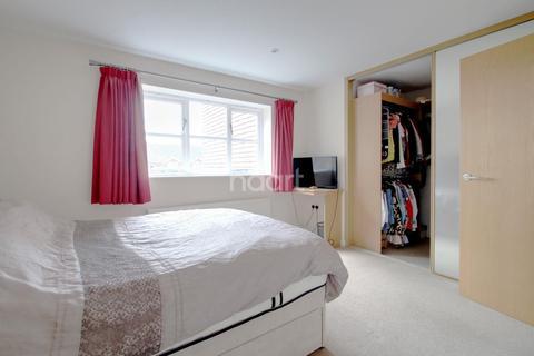 3 bedroom flat for sale - Nelson Villas, Quex Road, CT8 8BN