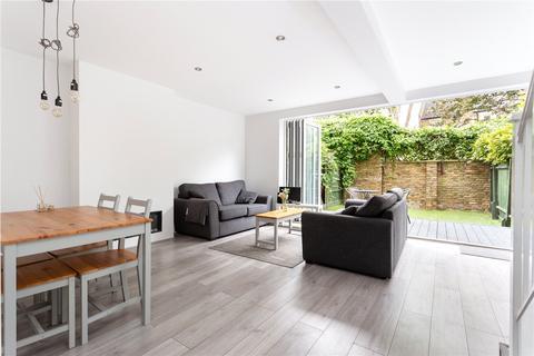 3 bedroom maisonette for sale - Donegal House, Cambridge Heath Road, London, E1