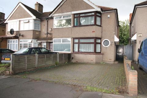 2 bedroom semi-detached house to rent - Hounslow Road, Hanworth, Feltham, TW13
