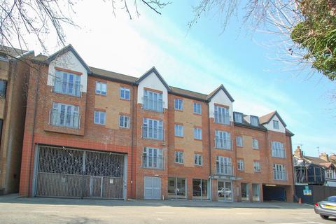 1 bedroom flat for sale - Oakridge Place, Oak End Way, Gerrards Cross, SL9