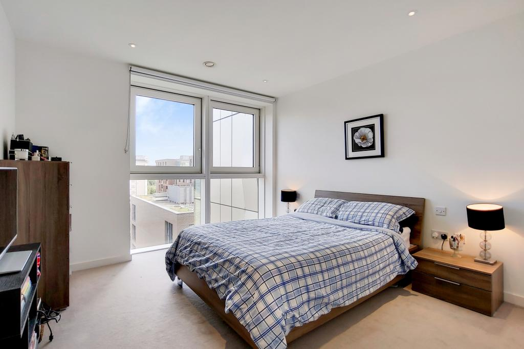 9 Master Bedroom 5