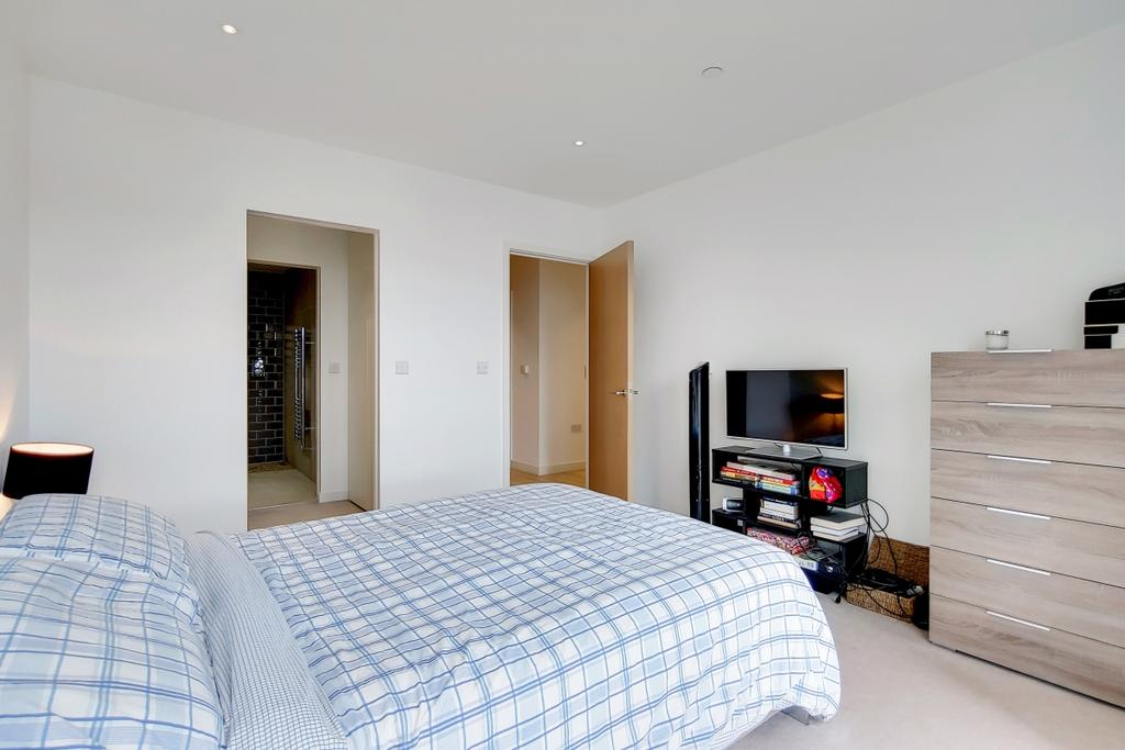 10 Master Bedroom 5