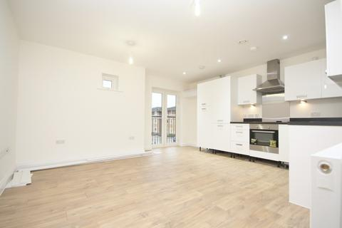 2 bedroom flat to rent - Stafford Avenue, Hornchurch, RM11
