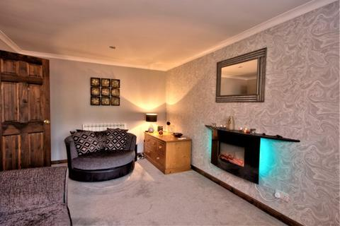 2 bedroom end of terrace house for sale - 10 Sutherland Crescent, Tain IV19 1DR