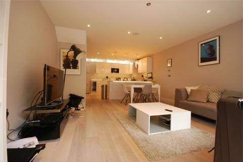 3 bedroom mews to rent - Cedars Mews, Clapham Old Town, London