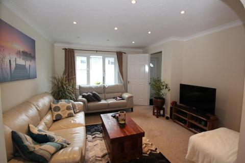 3 bedroom end of terrace house to rent - Newfoundland Drive, Poole