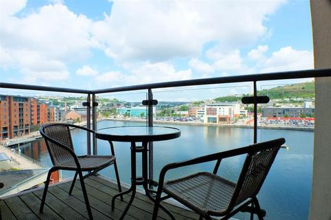 2 bedroom apartment for sale - South Quay, Kings Road, Swansea, SA1 8AJ