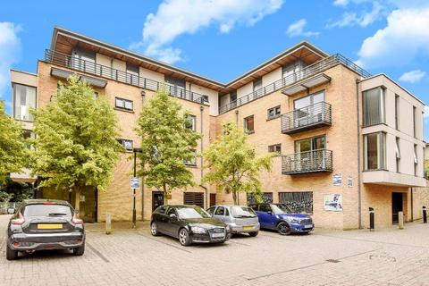 2 bedroom flat for sale - Empress Court , Oxford