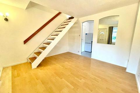 1 bedroom semi-detached house to rent - Coe Avenue, Woodside