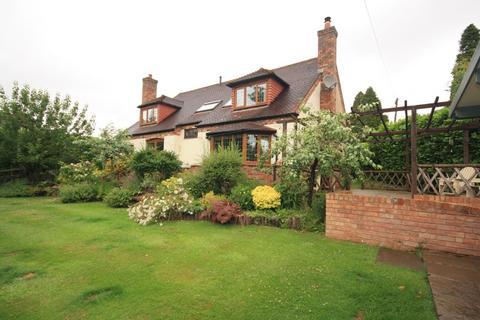 4 bedroom detached bungalow to rent - Ten Ashes Lane, Cofton Hackett
