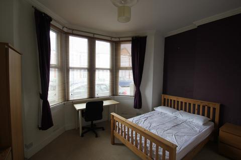 1 bedroom in a house share to rent - Whitchurch Road, Cardiff
