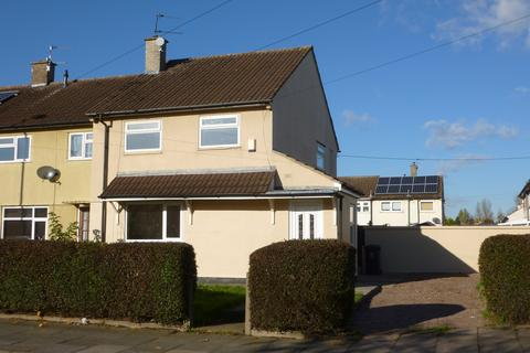 3 bedroom house to rent - Holderness Road, Leicester,