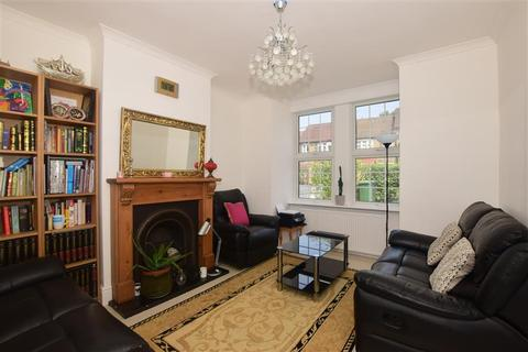 4 bedroom end of terrace house for sale - Ashurst Road, Tadworth, Surrey