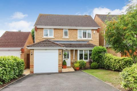 3 bedroom detached house for sale - Woodavon Gardens, Thatcham