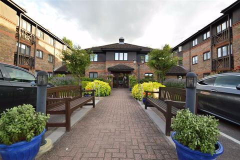 1 bedroom retirement property for sale - Winningales Court, Clayhall, Essex, IG5