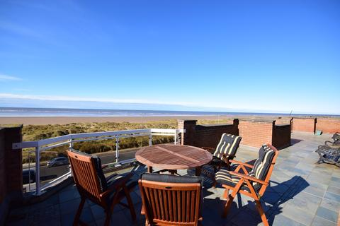 2 bedroom apartment for sale - 66 North Promenade, LYTHAM ST ANNES, FY8