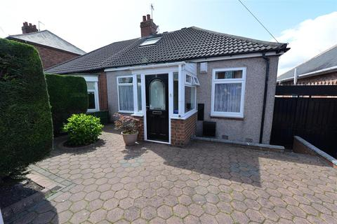 3 bedroom semi-detached bungalow for sale - Charnwood Gardens, Low Fell