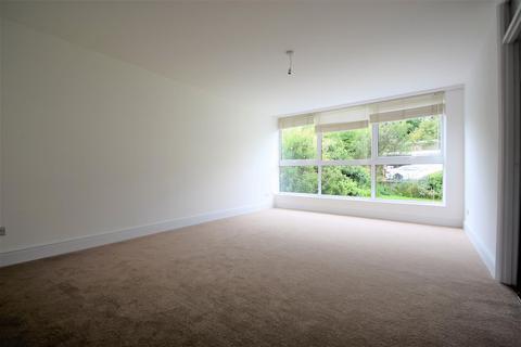 2 bedroom flat to rent - Stephen Court, 42-44 Valley Road, Bromley