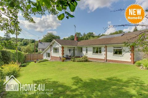 3 bedroom bungalow for sale - Gwernaffield Road, Mold