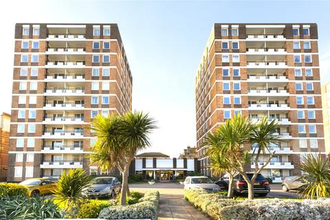 3 bedroom apartment to rent - Ashley Court, Grand Avenue, Hove, East Sussex, BN3